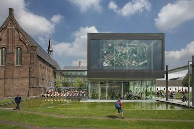 STAM - Stadsmuseum Gent